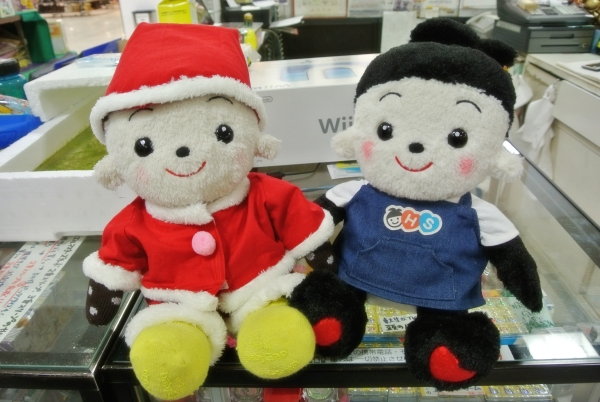 おもちゃのジャンボに遊びに来てくれたロイド君とお写真を取らせていただきました。 店員ジャンボ君もご機嫌です